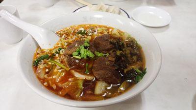 裁判傍聴そして中華街で牛肉麺